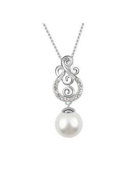 Faux Pearl Pendant Necklace